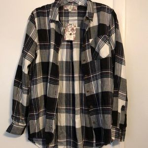 BNWT Pink Rose plaid flannel size small